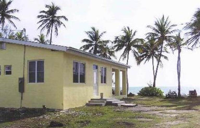 6. Single Family Homes for Sale at Beach cottage with development acreage Congo Town, Andros, Bahamas