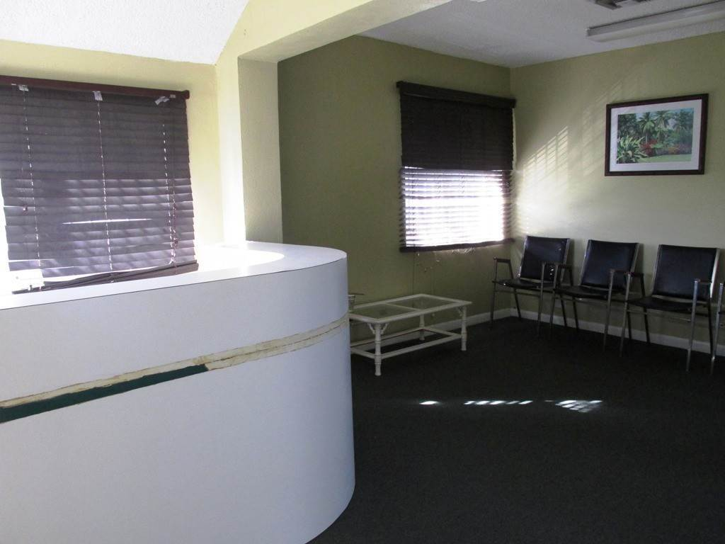6. Commercial for Rent at Centrally located Office space Nassau And Paradise Island, Bahamas