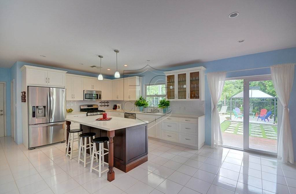 6. Single Family Homes for Rent at Modern family home in the East - MLS 40048 Camperdown, Nassau And Paradise Island, Bahamas