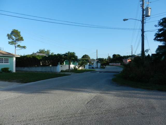 6. Terreno por un Venta en Well located residential lot in Coral Lakes Coral Harbour, Nueva Providencia / Nassau, Bahamas