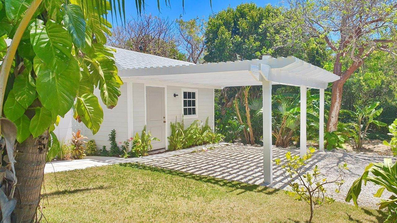 13. Single Family Homes for Sale at Fabulous Coastal Living Home in Governor's Harbour - MLS 44509 Governors Harbour, Eleuthera, Bahamas