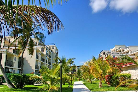 6. Co-op / Condo for Sale at Economically Priced beach front Condo in Coral Beach - MLS 28770 Lucayan Beach, Freeport And Grand Bahama, Bahamas