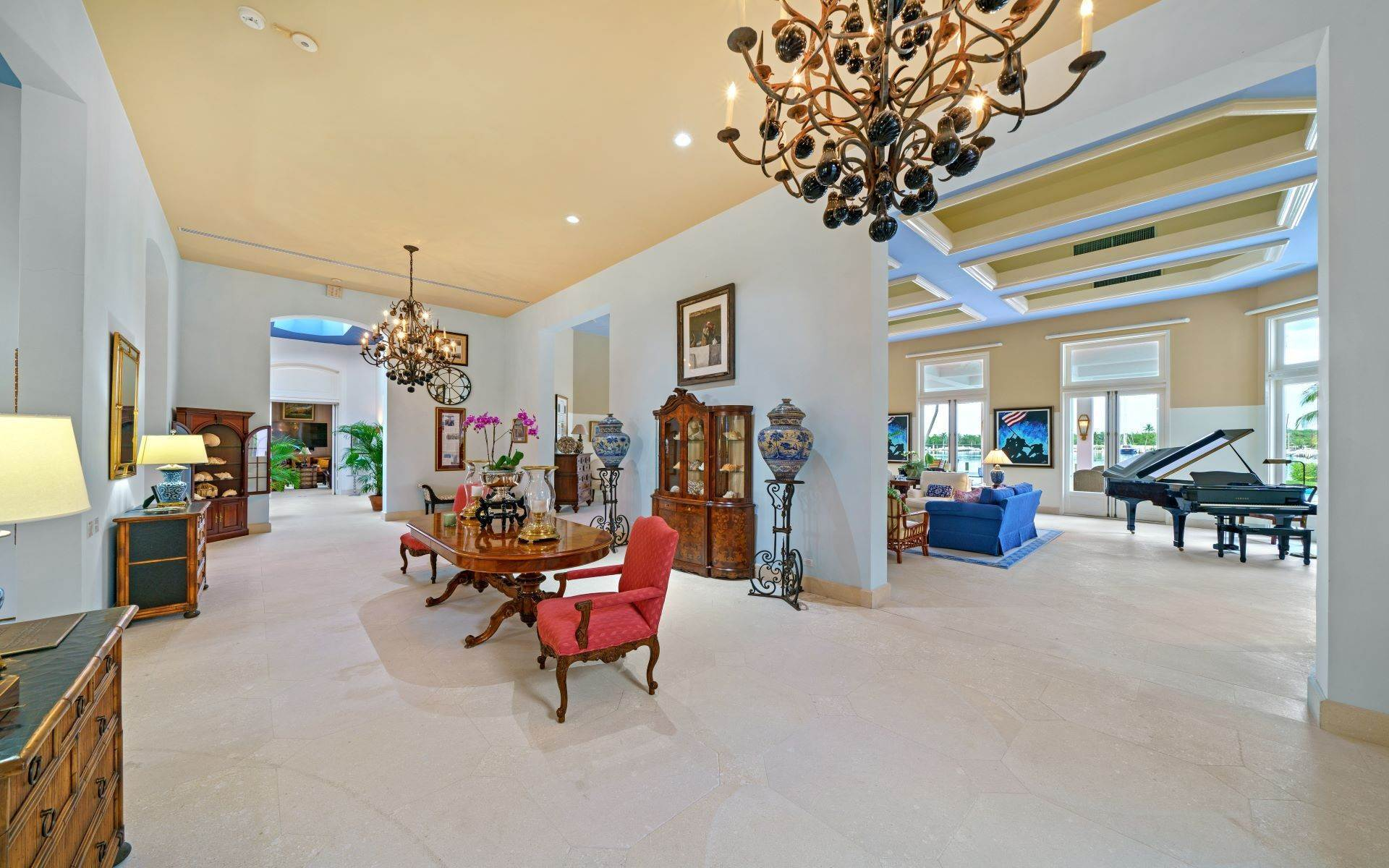 3. Single Family Homes for Sale at Luxurious Lyford Cay Canalfront Estate - MLS 40934 Lyford Cay, Nassau And Paradise Island, Bahamas