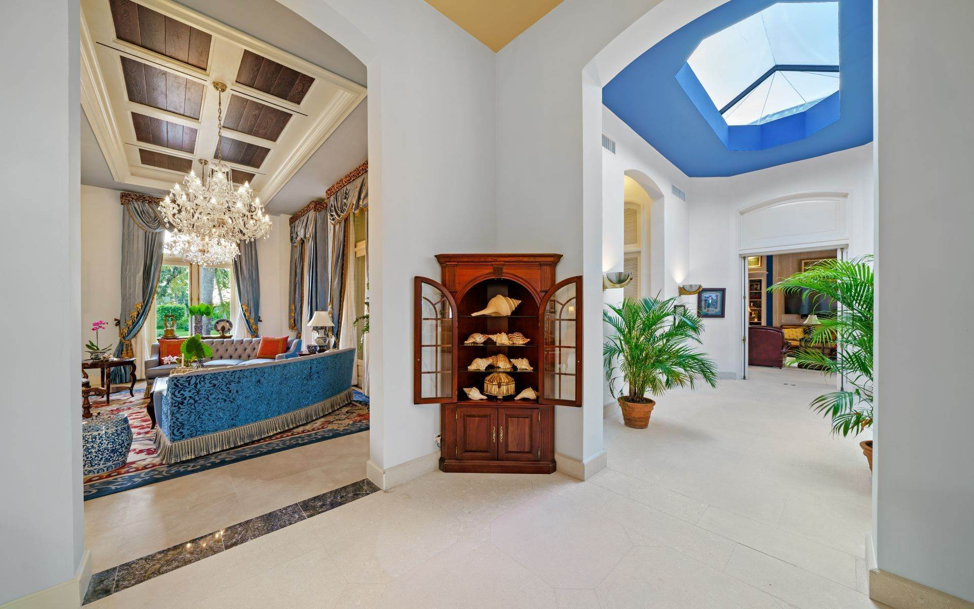 28. Single Family Homes for Sale at Luxurious Lyford Cay Canalfront Estate - MLS 40934 Lyford Cay, Nassau And Paradise Island, Bahamas