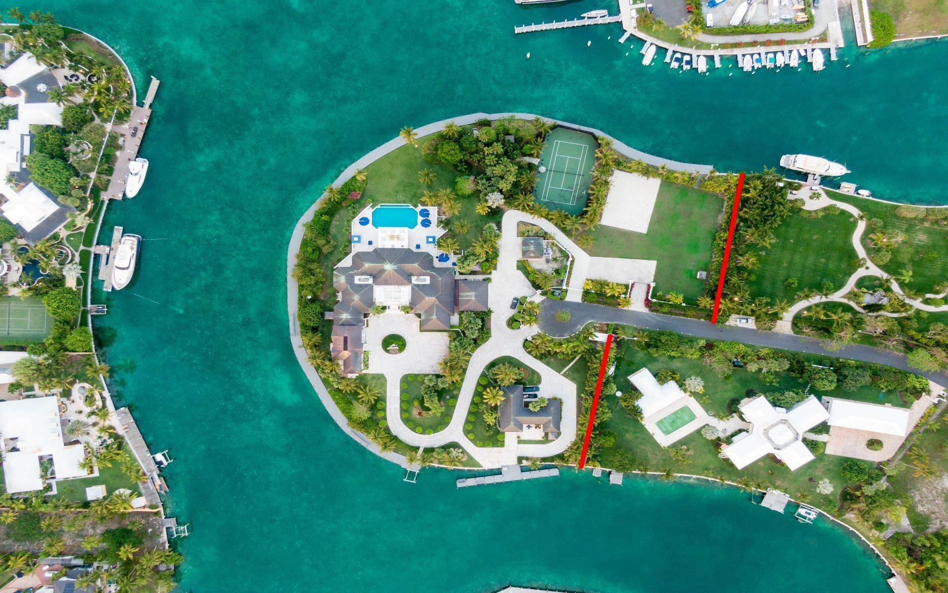16. Single Family Homes for Sale at Luxurious Lyford Cay Canalfront Estate - MLS 40934 Lyford Cay, Nassau And Paradise Island, Bahamas