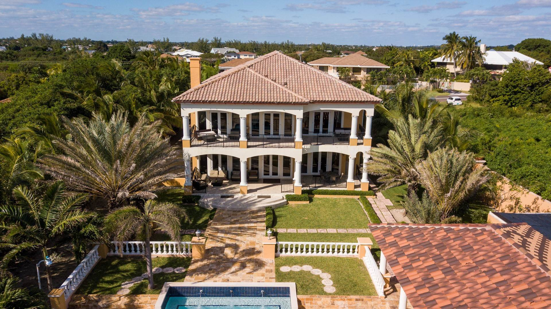 5. Single Family Homes for Sale at Exclusive Oceanside Eastern Jewel - Casa Al Mare - MLS 43222 Eastern Road, Nassau And Paradise Island, Bahamas