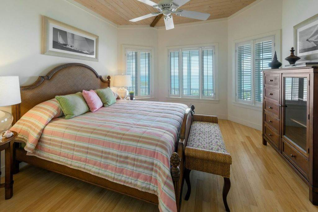 7. Single Family Homes for Sale at Sea Glass Exclusive Waterfront Home At The Abaco Club on Winding Bay - MLS 31382 Winding Bay, Abaco, Bahamas