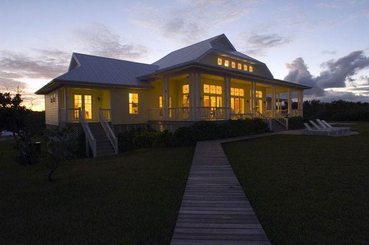 7. Single Family Homes por un Alquiler en Sunrise On The Beach - Please call us for availability! Orchid Bay, Guana Cay, Abaco Bahamas