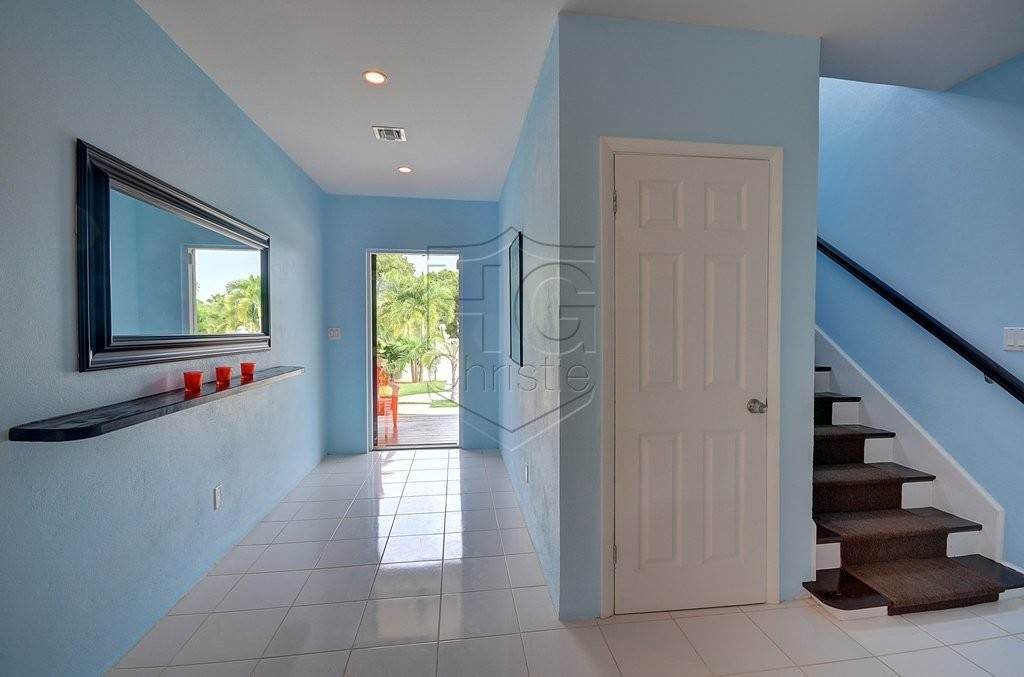 7. Single Family Homes for Rent at Modern family home in the East - MLS 40048 Camperdown, Nassau And Paradise Island, Bahamas