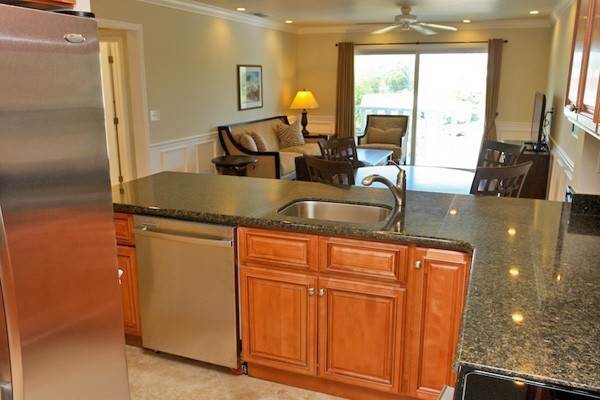 7. Co-op / Condo for Rent at Gorgeous 2 Bed Condo on the Canal Freeport And Grand Bahama, Bahamas