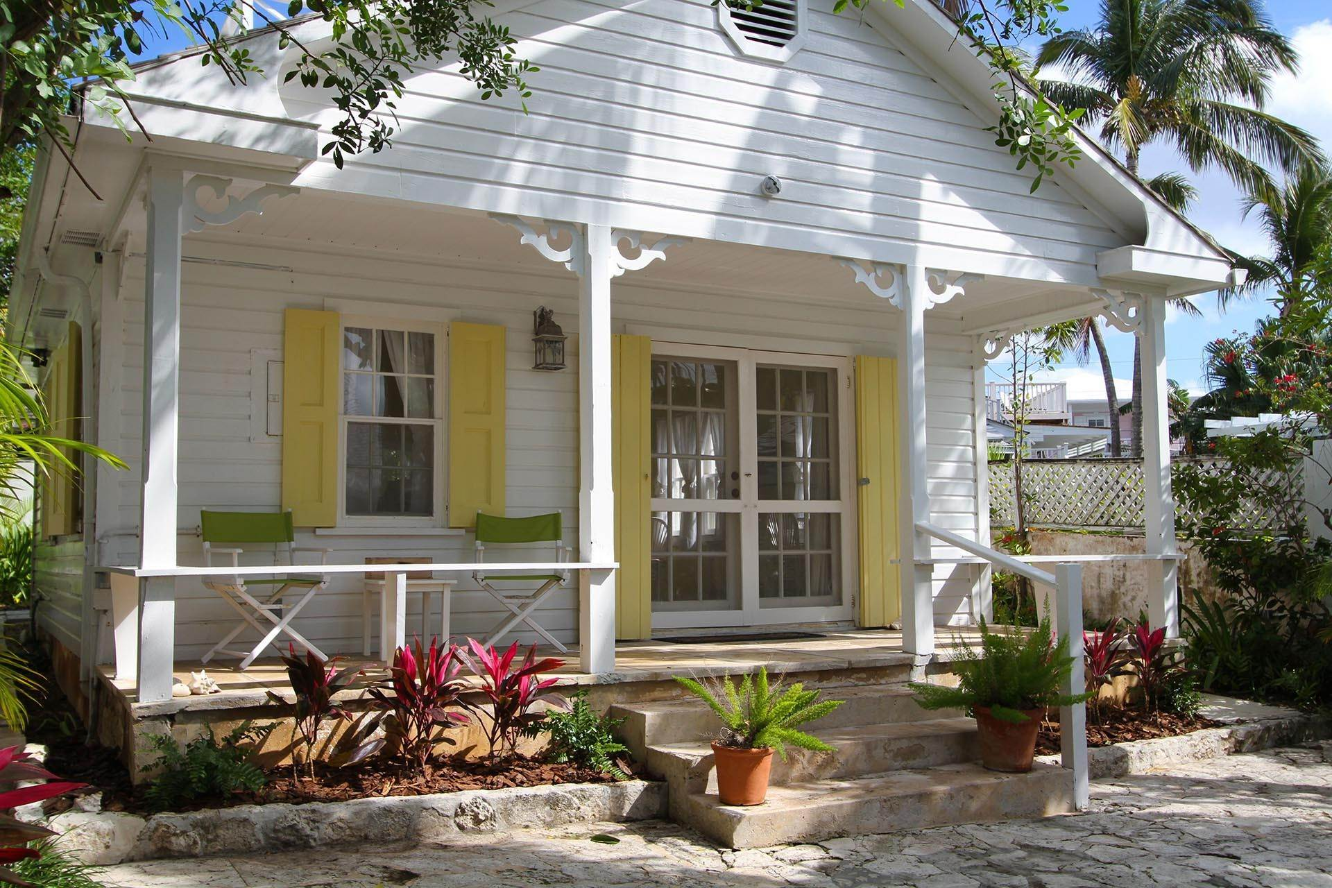 7. Single Family Homes por un Venta en Historic Harbour Front Home Harbour Island, Eleuthera, Bahamas