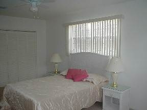 5. Multifamiliar por un Alquiler en Brand New Apartment for Rent Lucauan Waterway, Gran Bahama Freeport, Bahamas