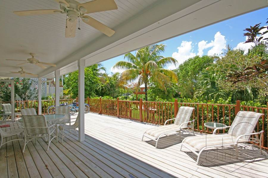 7. Single Family Homes por un Alquiler en Island Home in Shoreline, Fortune Beach, Lucaya Shoreline, Lucaya, Gran Bahama Freeport Bahamas