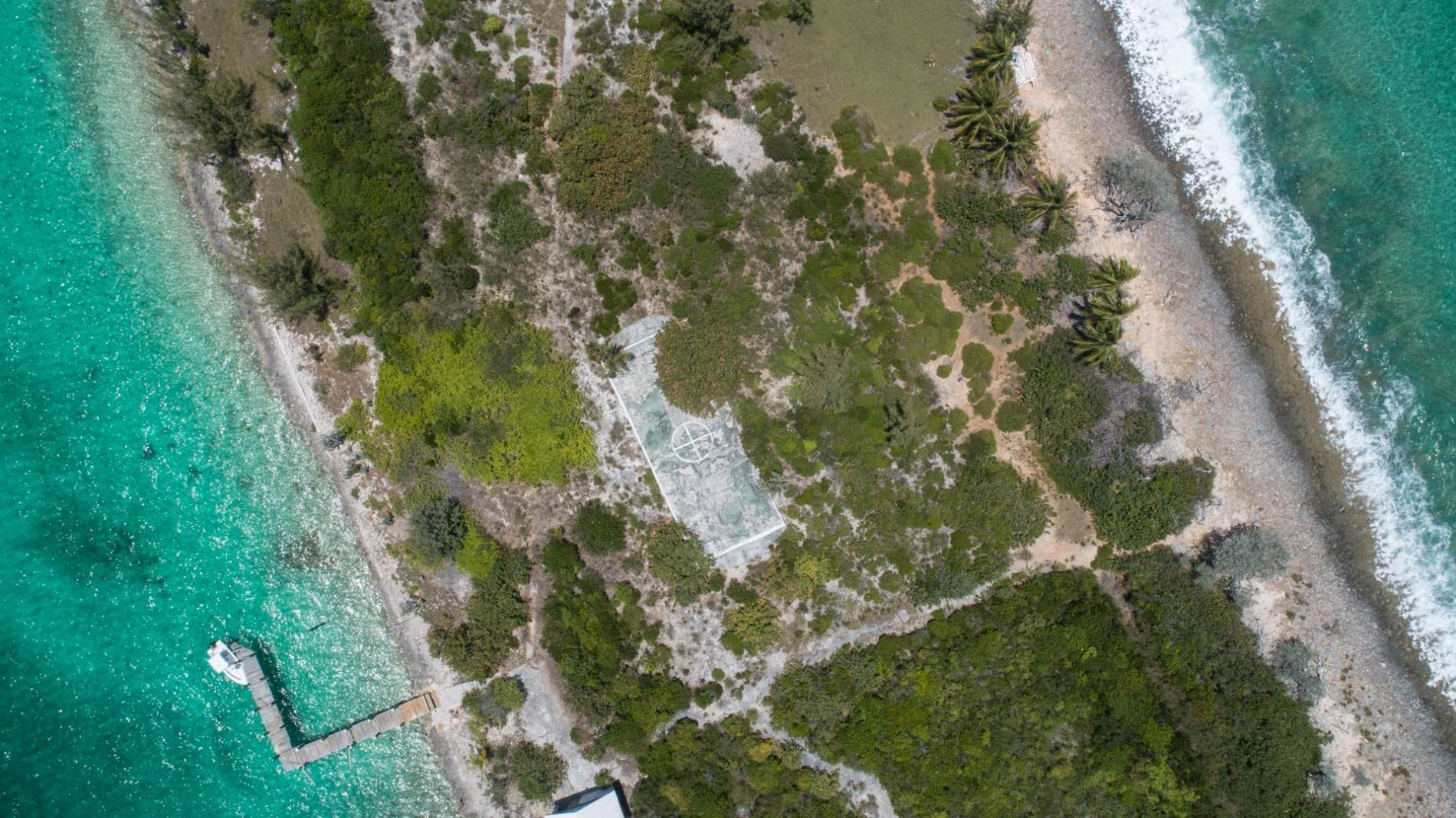 4. Private Islands for Sale at Pierre Island, A Perfect Private Retreat Island Near Harbour Island - MLS 40806 Harbour Island, Eleuthera, Bahamas