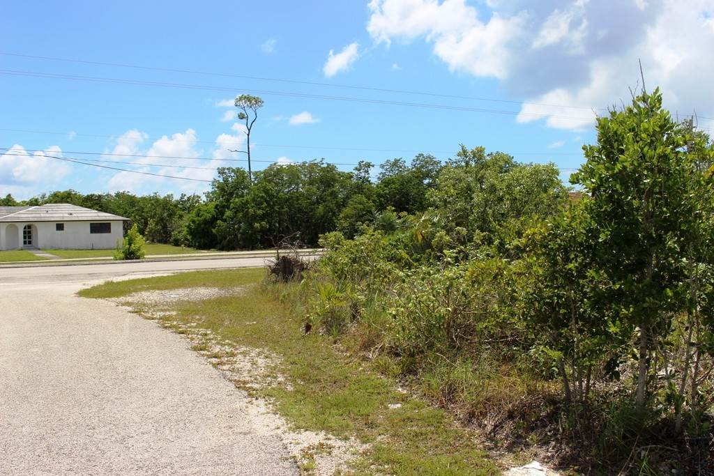 7. Terreno por un Venta en Single Family Lot on Yorkshire in Bahamia Bahamia, Gran Bahama Freeport, Bahamas