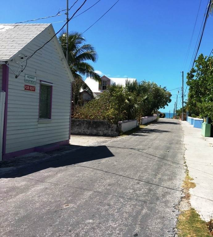 7. Single Family Homes for Sale at Charming Hill Top Cottage Spanish Wells, Eleuthera, Bahamas
