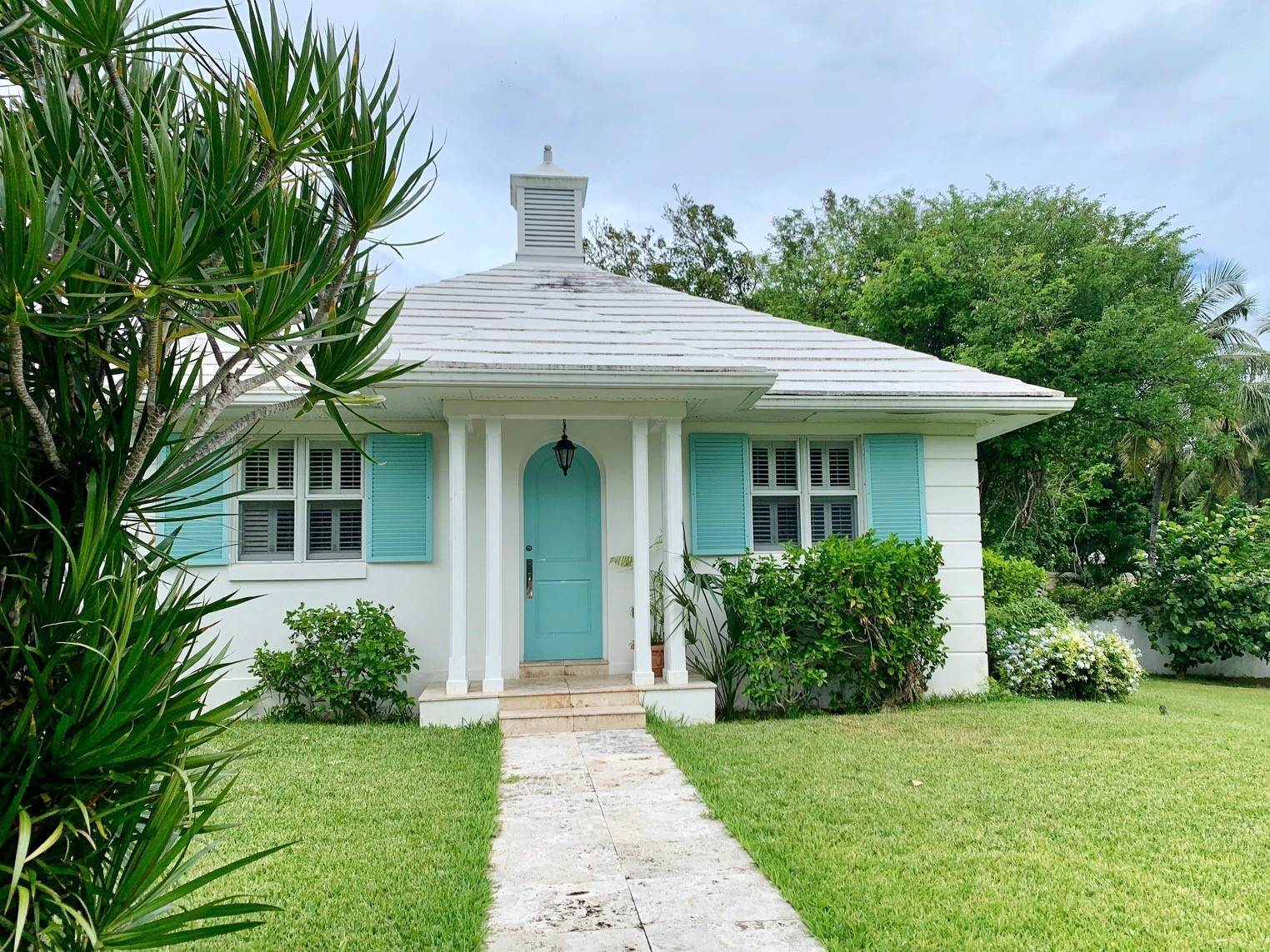 32. Single Family Homes por un Alquiler en Old Fort Ocean Front Masterpiece Old Fort Bay, Nueva Providencia / Nassau, Bahamas