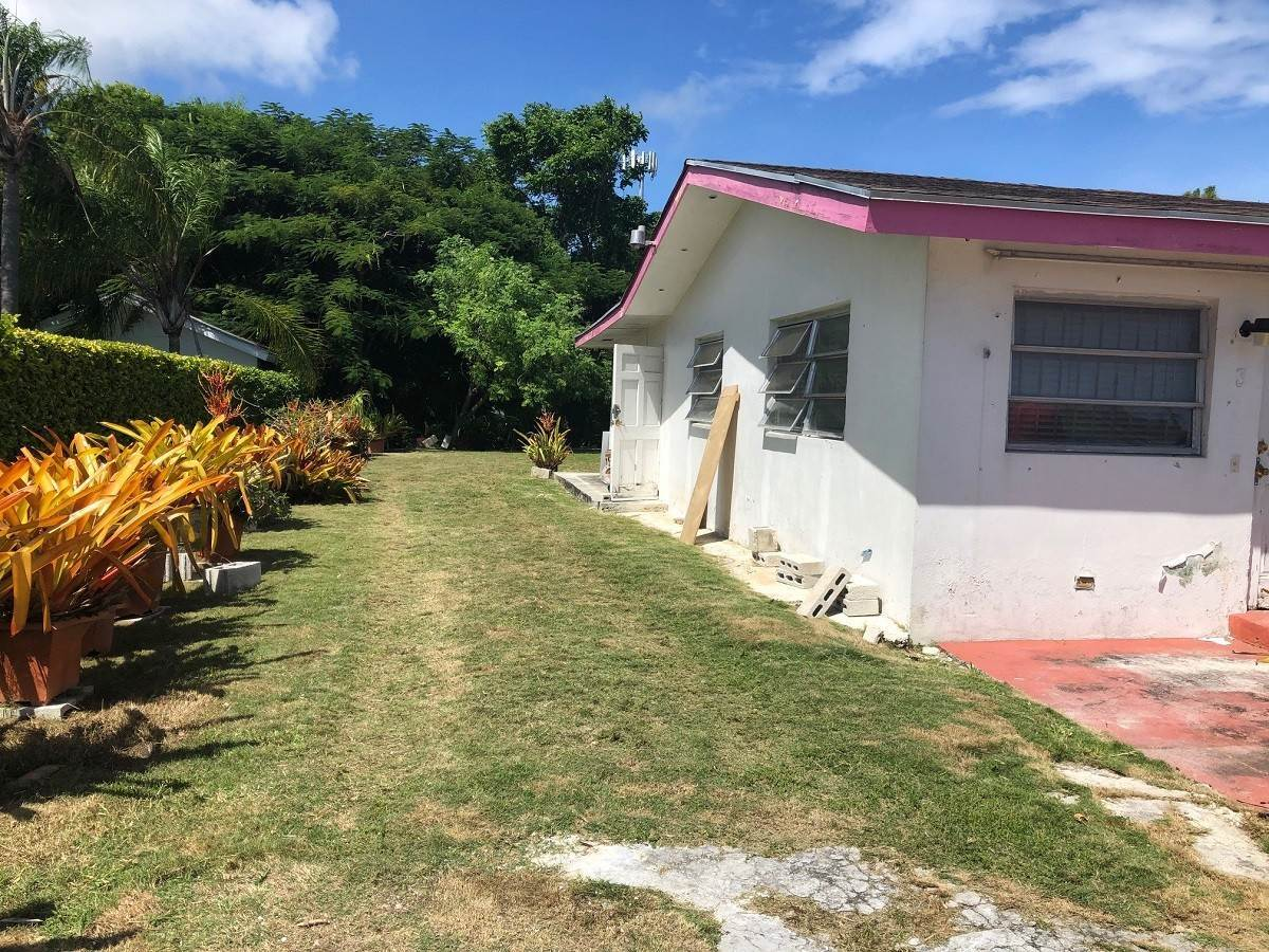 6. Single Family Homes for Sale at #35 Little Blair Estates Residence - MLS 42226 Blair Estates, Eastern Road, Nassau And Paradise Island Bahamas