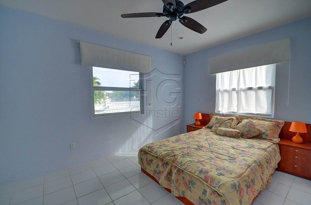 8. Single Family Homes for Rent at Modern family home in the East - MLS 40048 Camperdown, Nassau And Paradise Island, Bahamas