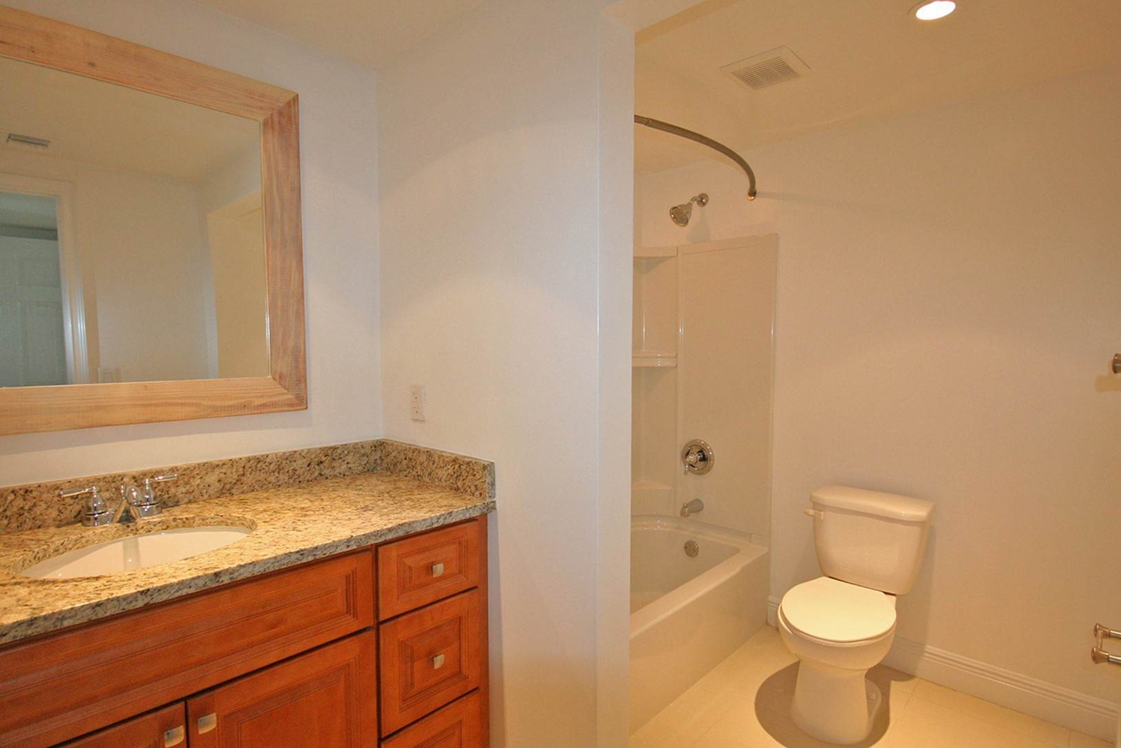 8. Co-op / Condo for Rent at Brand New Luxury 2 Bedroom Condo on the Canal in Lucaya Freeport And Grand Bahama, Bahamas
