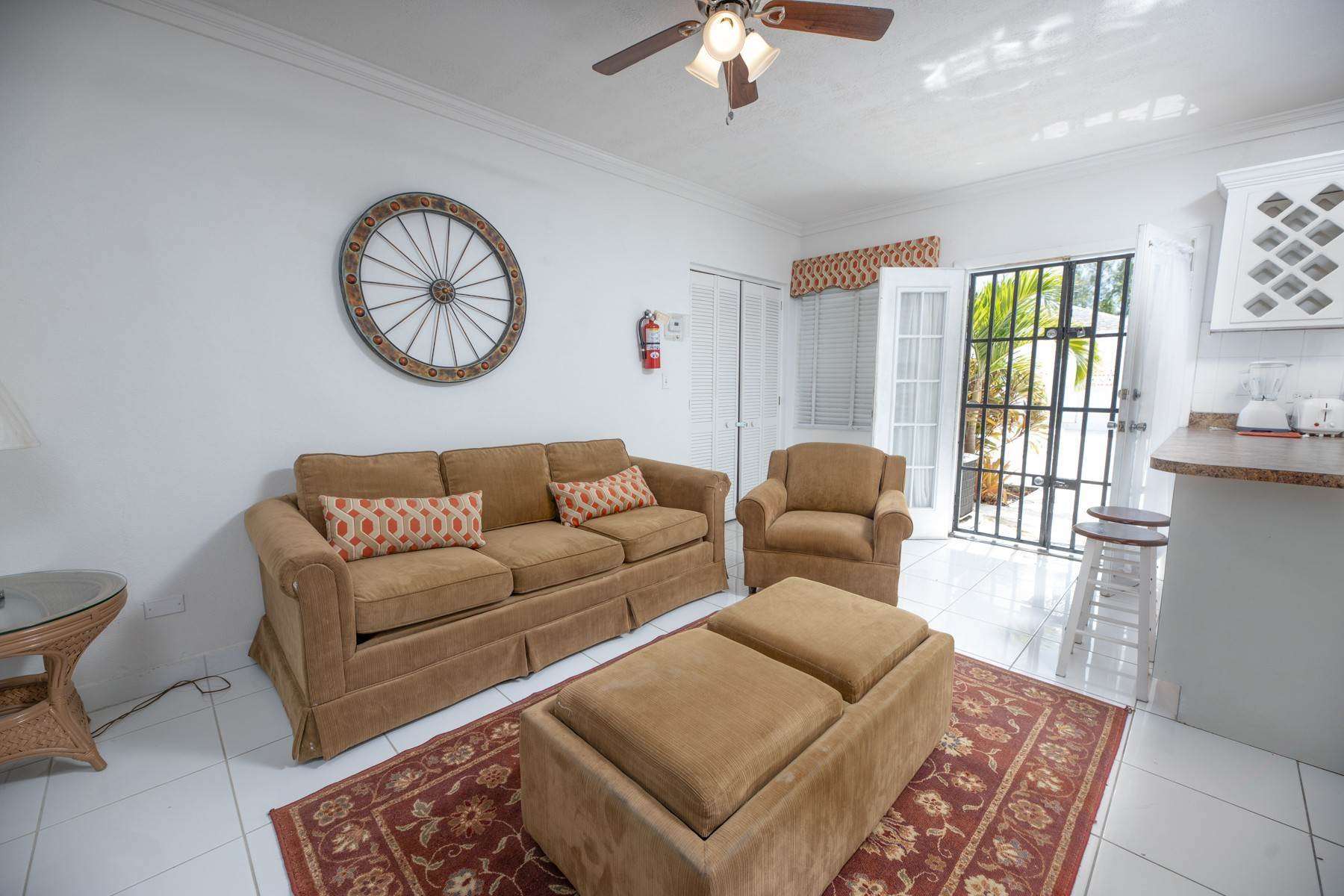 8. Single Family Homes for Rent at Excellent Family Home in Vista Marina - MLS 41677 Nassau And Paradise Island, Bahamas