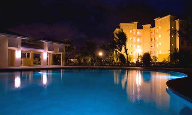 16. Co-op / Condo for Rent at Luxurious Waterfront 1-Bedroom Condominium in Gorgeous Suffolk Court Bahamia Marina, Freeport And Grand Bahama, Bahamas