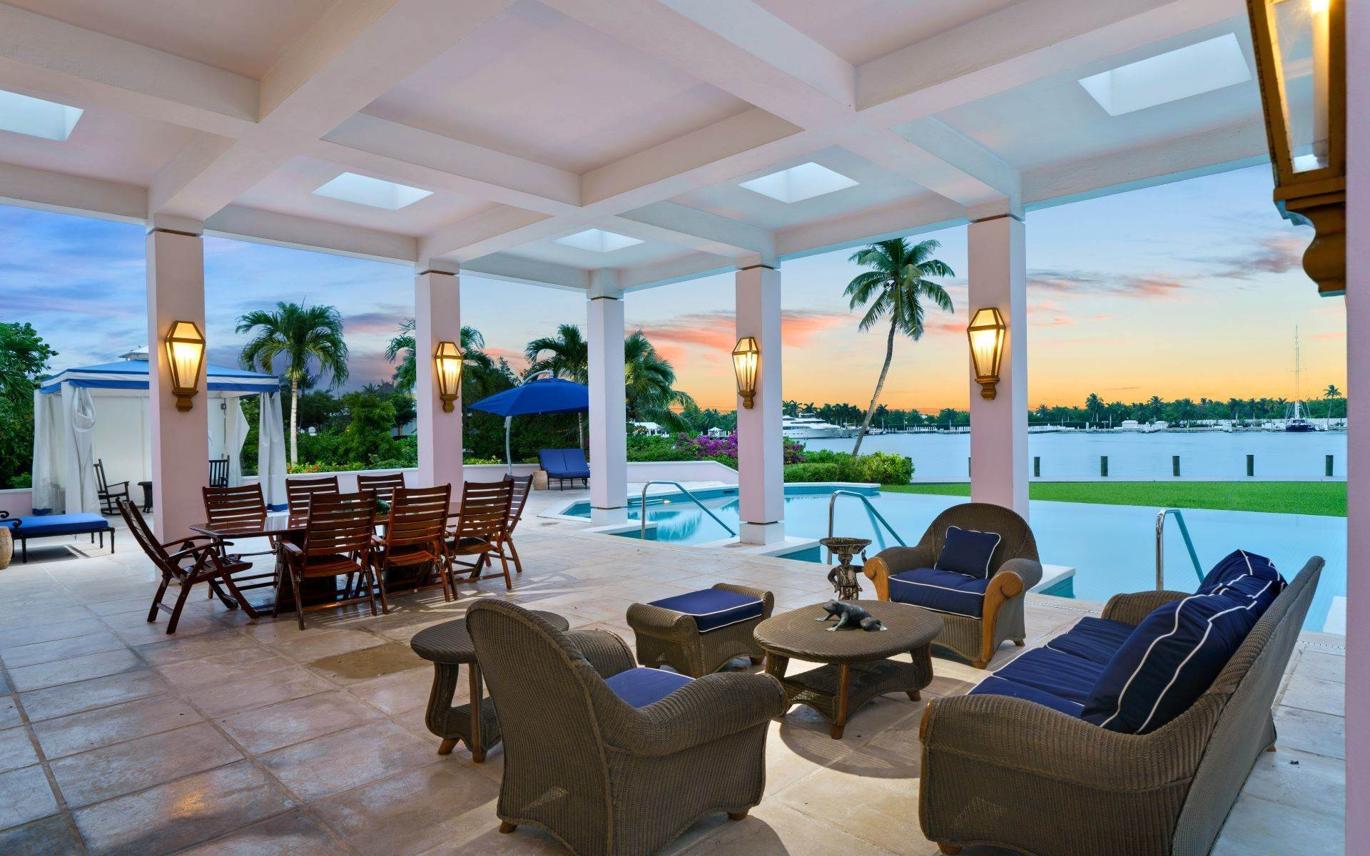 9. Single Family Homes for Sale at Luxurious Lyford Cay Canalfront Estate - MLS 40934 Lyford Cay, Nassau And Paradise Island, Bahamas