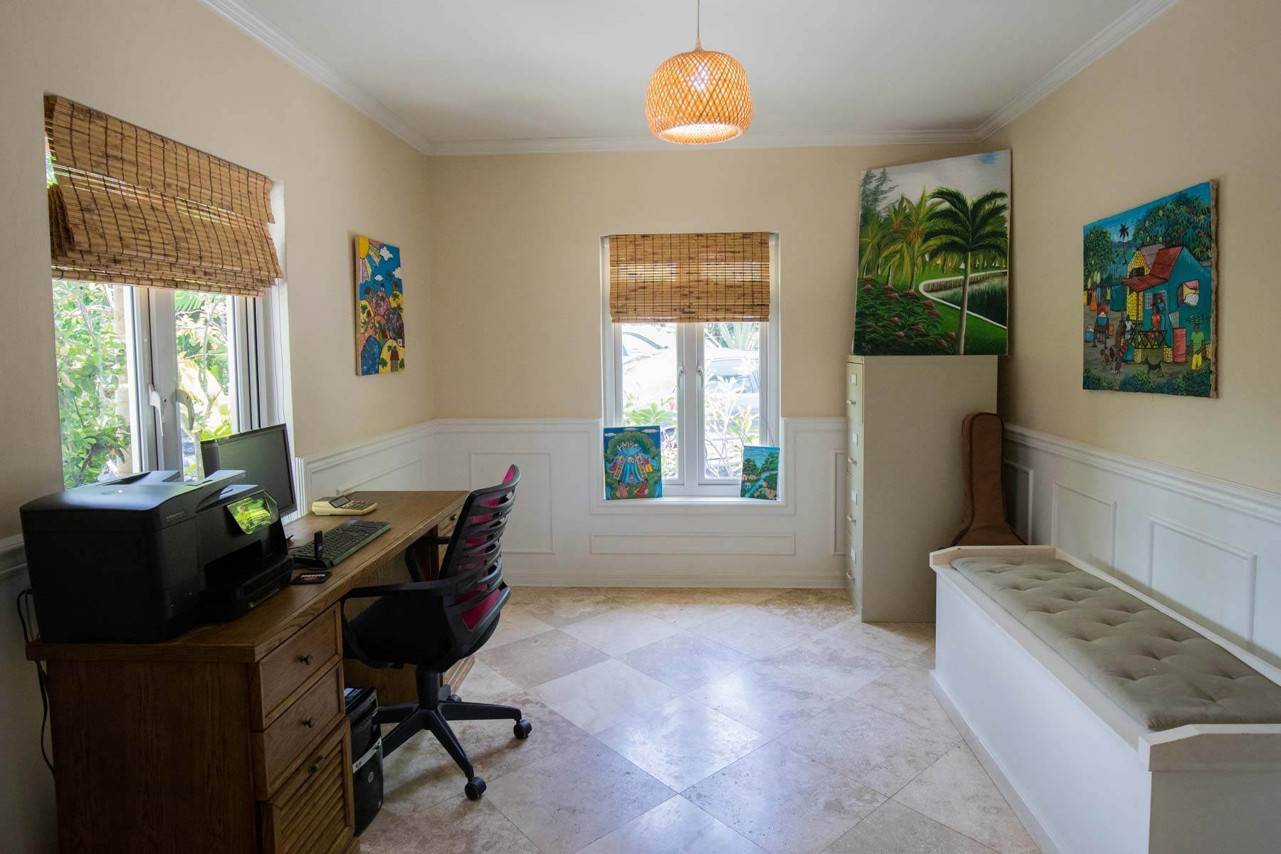 8. Single Family Homes for Sale at Charming Skyline Heights Home - MLS 43542 Nassau And Paradise Island, Bahamas