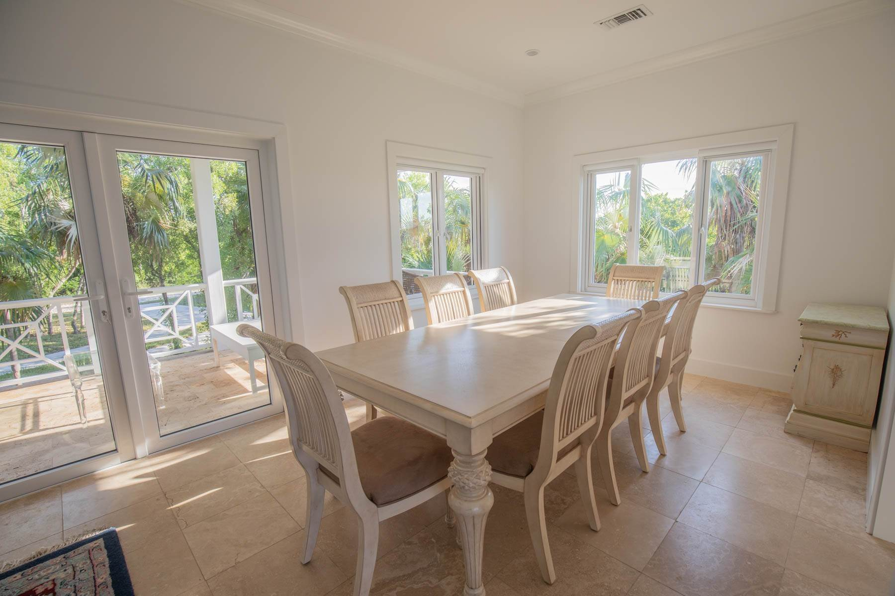 4. Single Family Homes for Sale at Savannah Sound Home - Windermere Island - MLS 44478 Windermere Island, Eleuthera, Bahamas