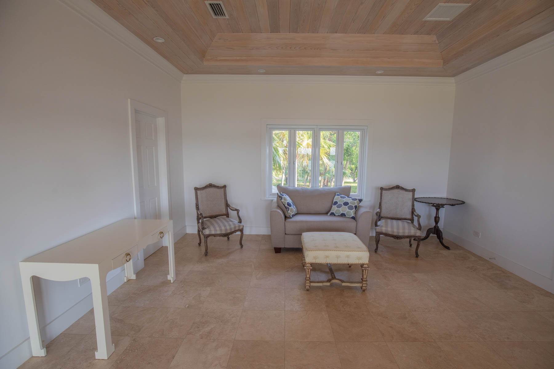 8. Single Family Homes for Sale at Savannah Sound Home - Windermere Island - MLS 44478 Windermere Island, Eleuthera, Bahamas