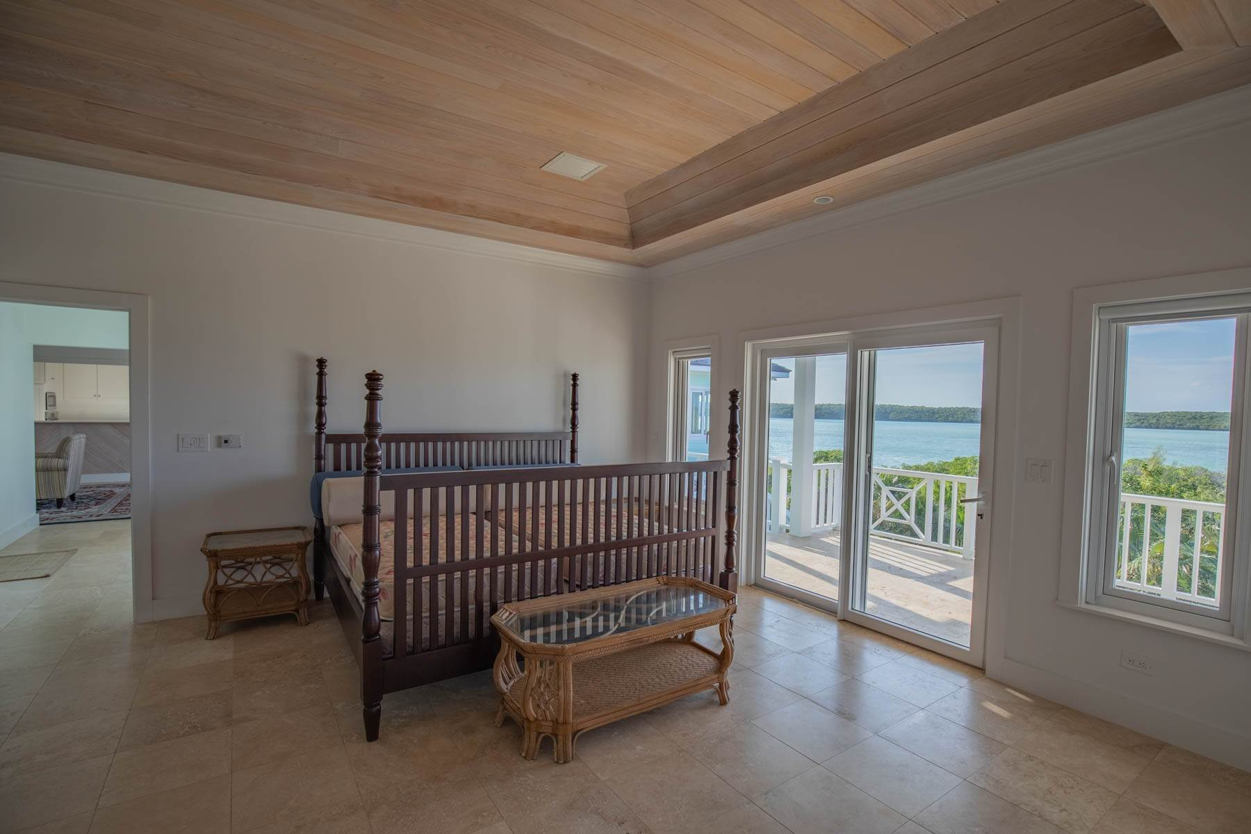 10. Single Family Homes for Sale at Savannah Sound Home - Windermere Island - MLS 44478 Windermere Island, Eleuthera, Bahamas