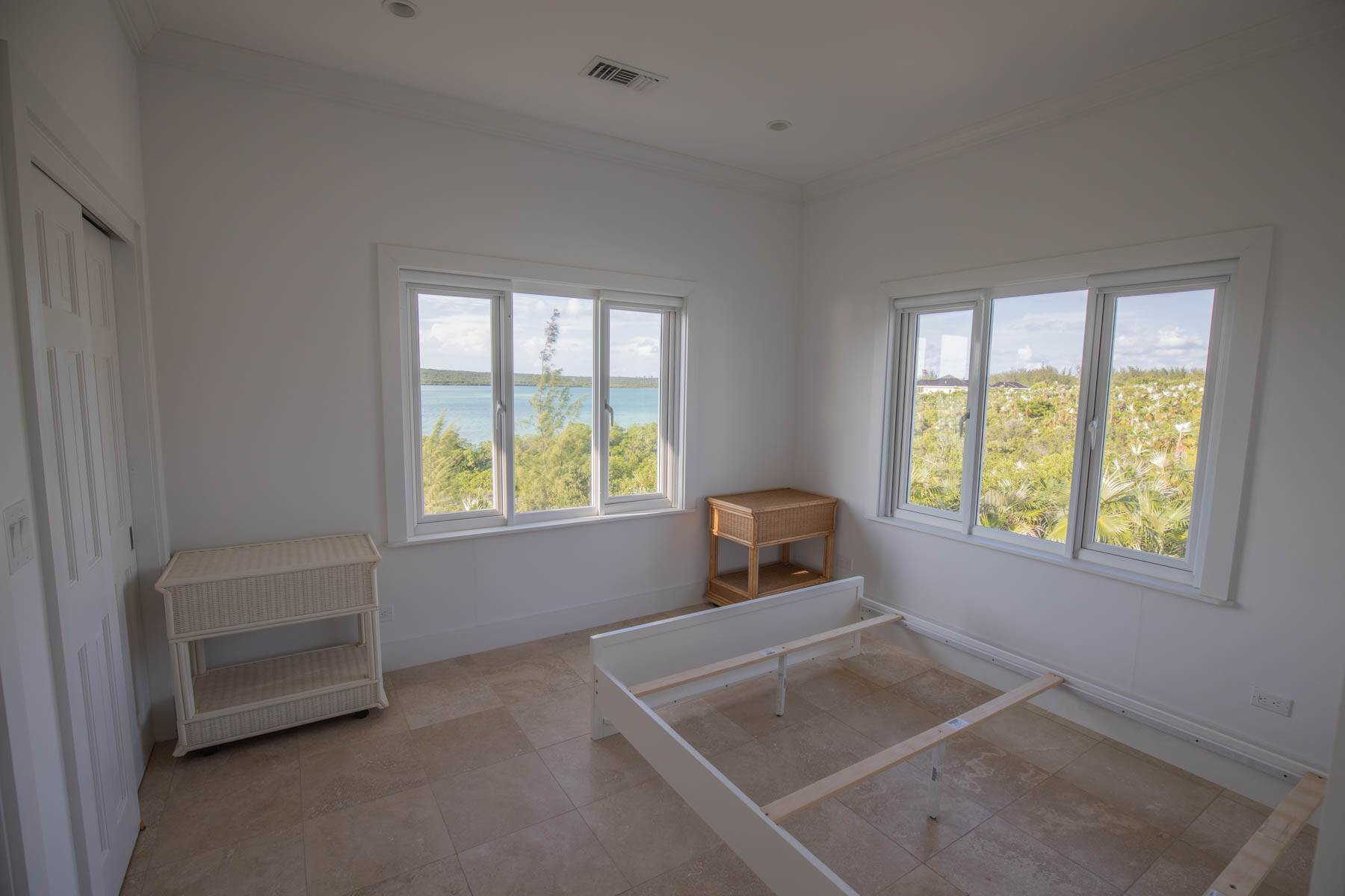 13. Single Family Homes for Sale at Savannah Sound Home - Windermere Island - MLS 44478 Windermere Island, Eleuthera, Bahamas