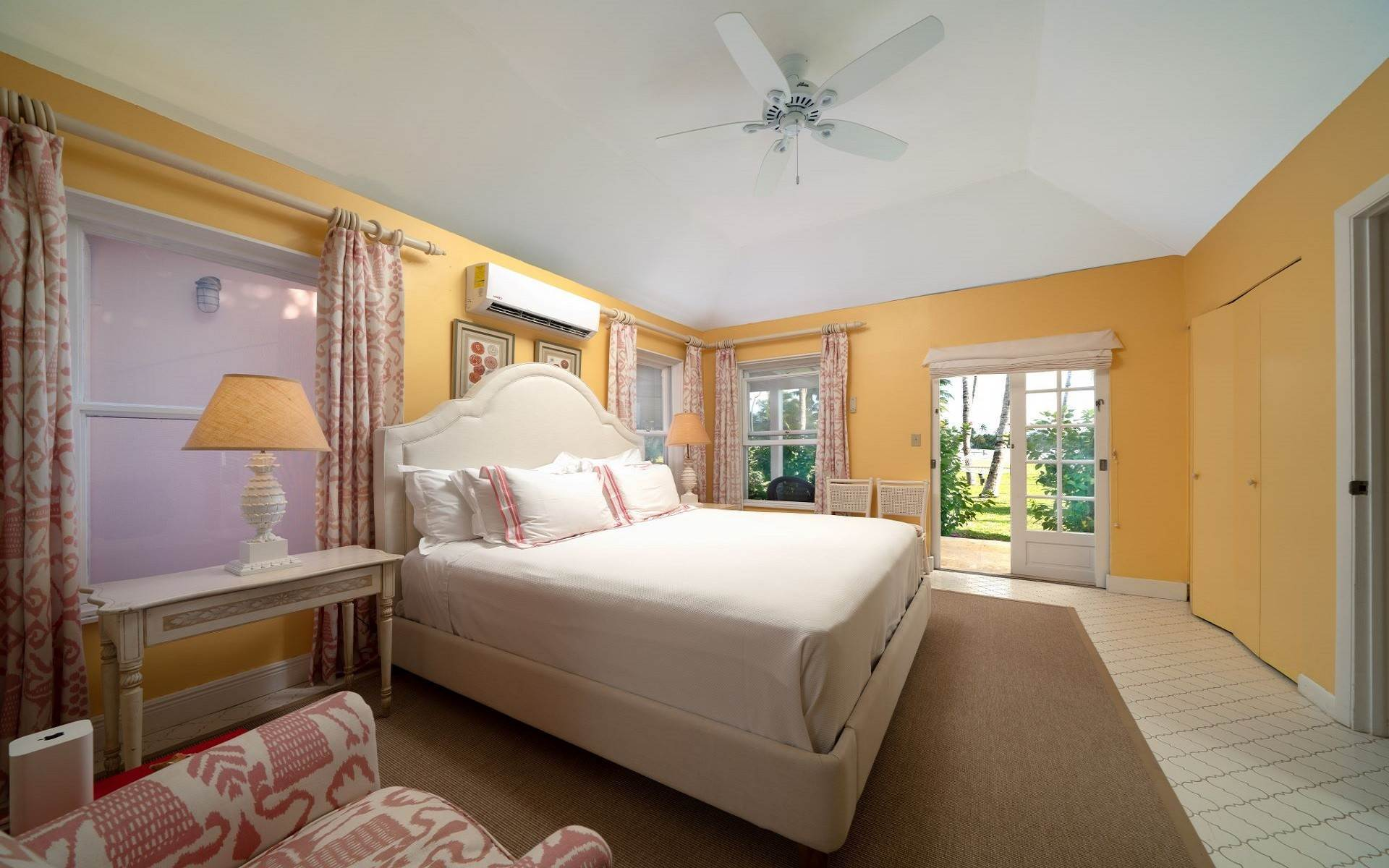 35. Single Family Homes for Rent at Magnificent Lyford Cay Beachfront Estate Lyford Cay, Nassau And Paradise Island, Bahamas