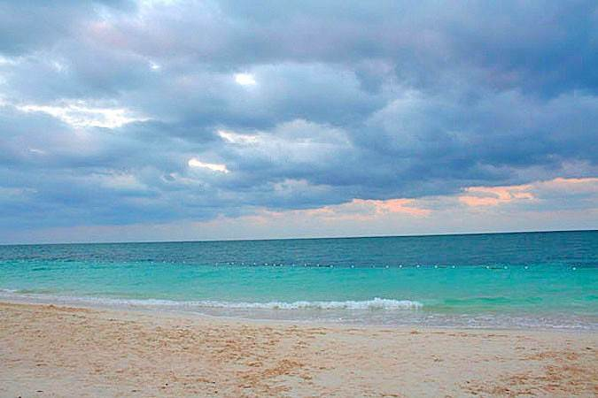 9. Co-op / Condo for Sale at Economically Priced beach front Condo in Coral Beach - MLS 28770 Lucayan Beach, Freeport And Grand Bahama, Bahamas