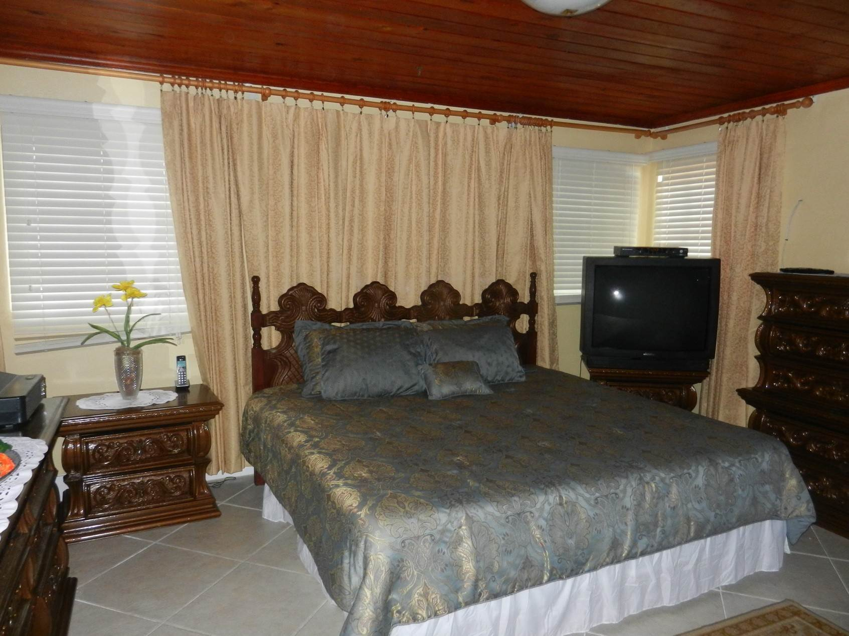 11. Single Family Homes por un Alquiler en Lovely Family Home with Large Garden, Pool and back-up Generator - MLS 39185 Eastern Road, Nueva Providencia / Nassau, Bahamas