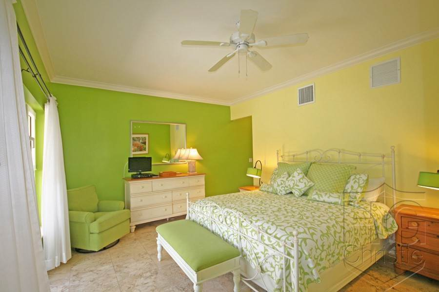 9. Single Family Homes por un Alquiler en Island Home in Shoreline, Fortune Beach, Lucaya Shoreline, Lucaya, Gran Bahama Freeport Bahamas