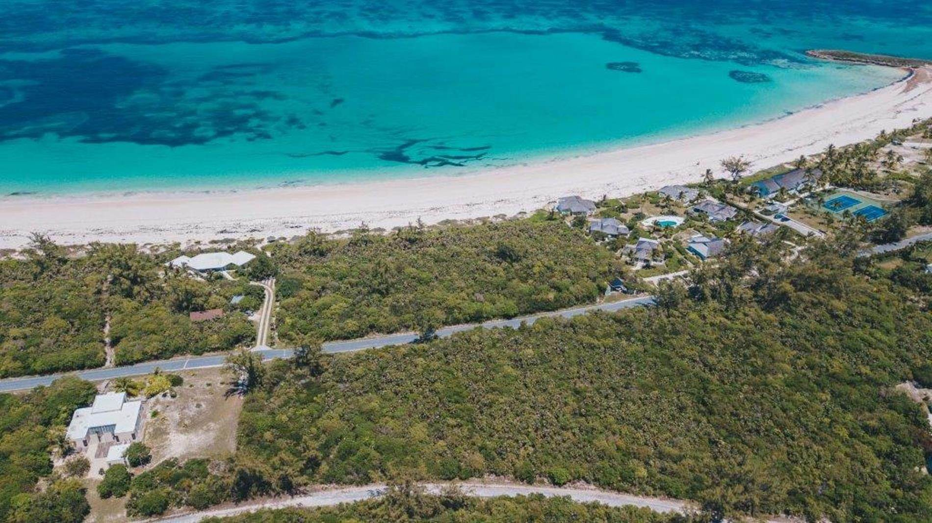 9. Terreno por un Venta en Unique Beach front Homesite at Windermere Beach Estates - Section A, Lot 9 and 126 - MLS 38497 Windermere Island, Eleuthera, Bahamas