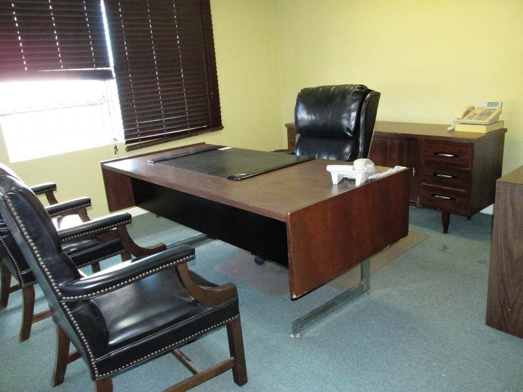 9. Commercial for Rent at Centrally located Office space Nassau And Paradise Island, Bahamas