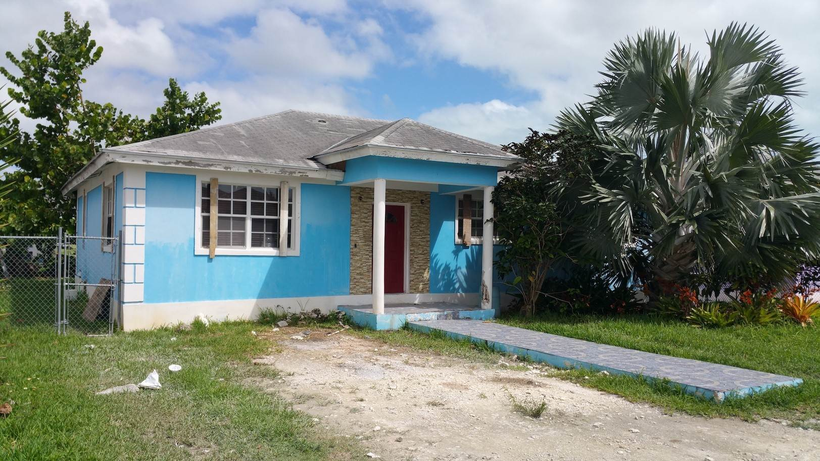3. Single Family Homes for Sale at One of A Kind Residential Family Home in Faith Gardens Faith Gardens, Nassau And Paradise Island, Bahamas