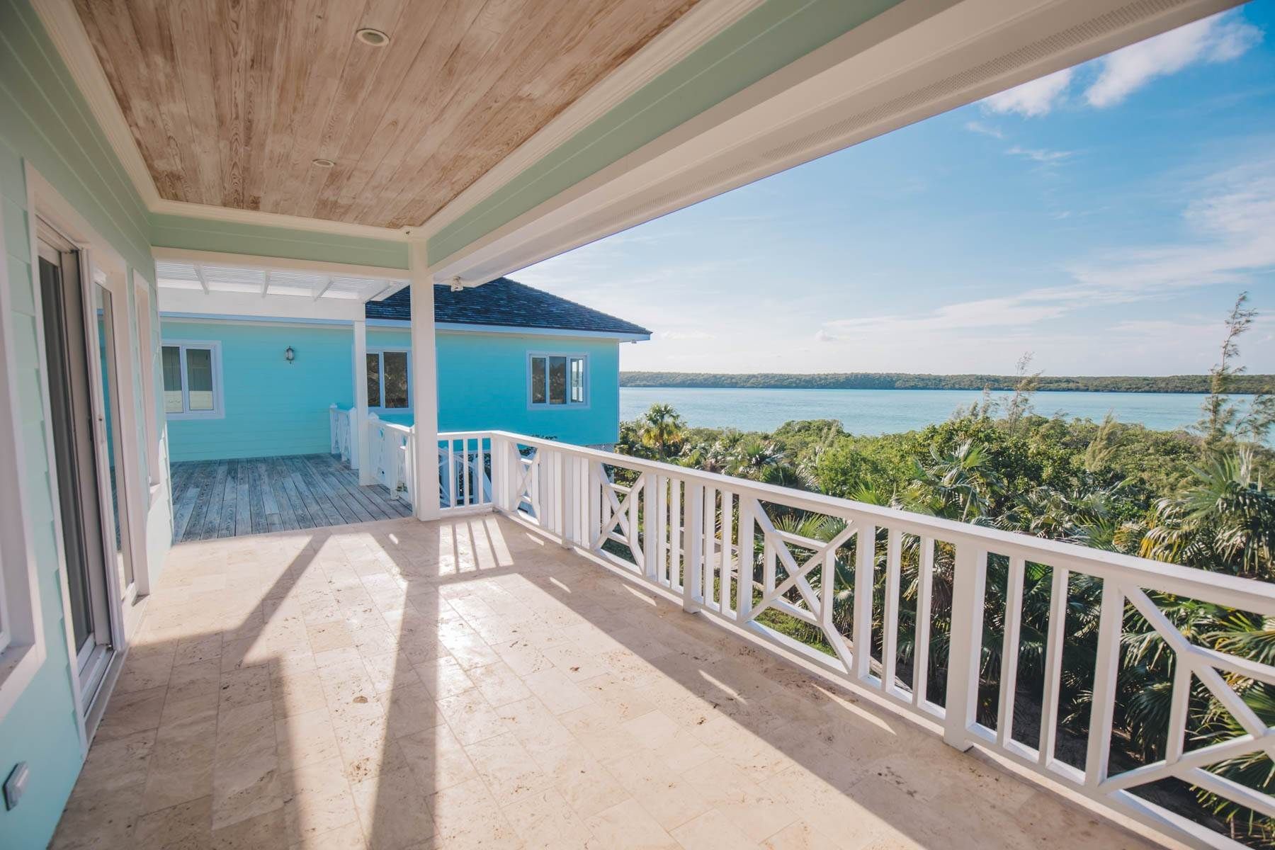 17. Single Family Homes for Sale at Savannah Sound Home - Windermere Island - MLS 44478 Windermere Island, Eleuthera, Bahamas
