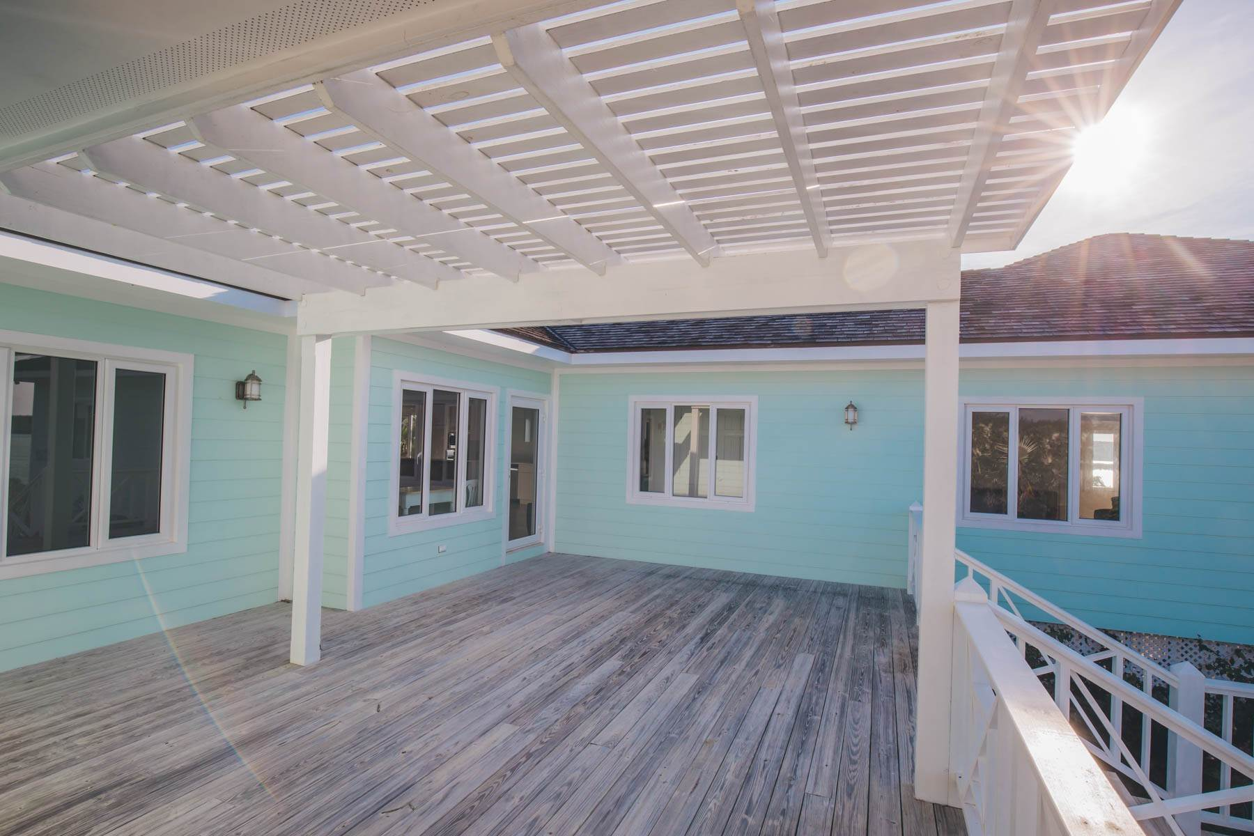 21. Single Family Homes for Sale at Savannah Sound Home - Windermere Island - MLS 44478 Windermere Island, Eleuthera, Bahamas