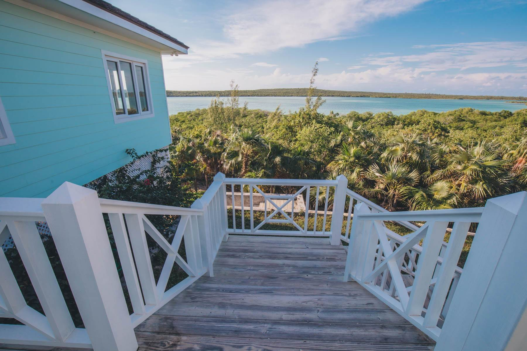 22. Single Family Homes for Sale at Savannah Sound Home - Windermere Island - MLS 44478 Windermere Island, Eleuthera, Bahamas