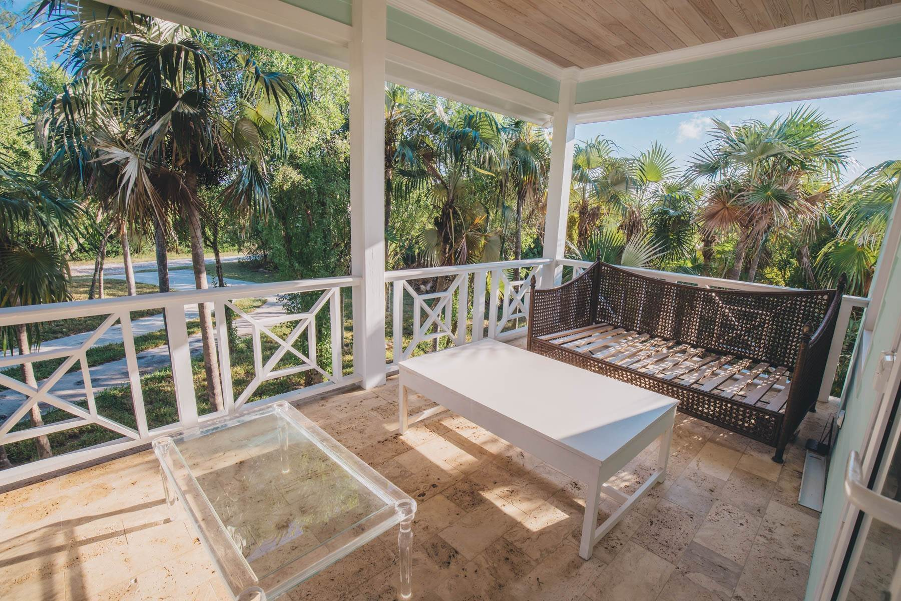 24. Single Family Homes for Sale at Savannah Sound Home - Windermere Island - MLS 44478 Windermere Island, Eleuthera, Bahamas