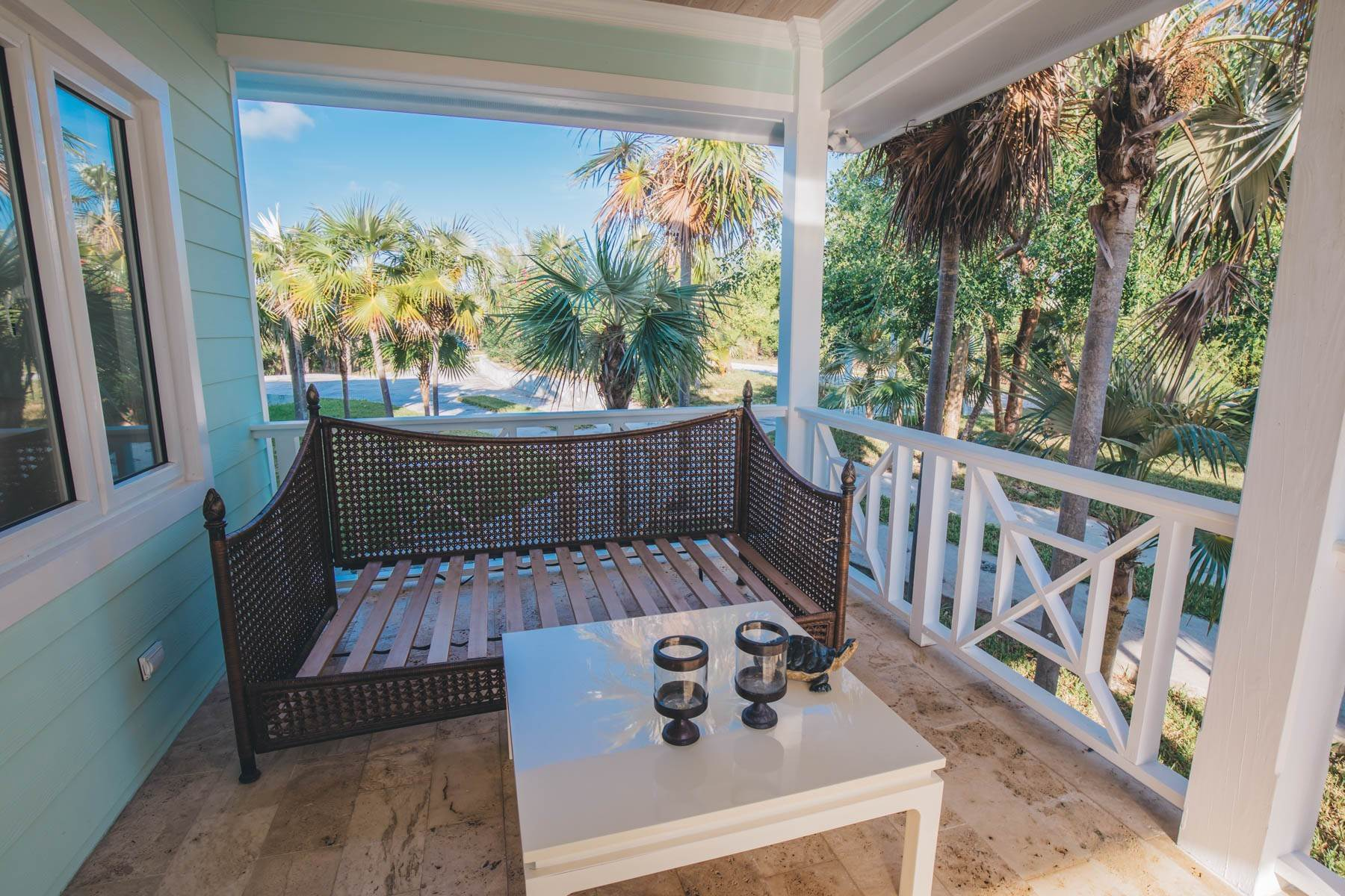 25. Single Family Homes for Sale at Savannah Sound Home - Windermere Island - MLS 44478 Windermere Island, Eleuthera, Bahamas