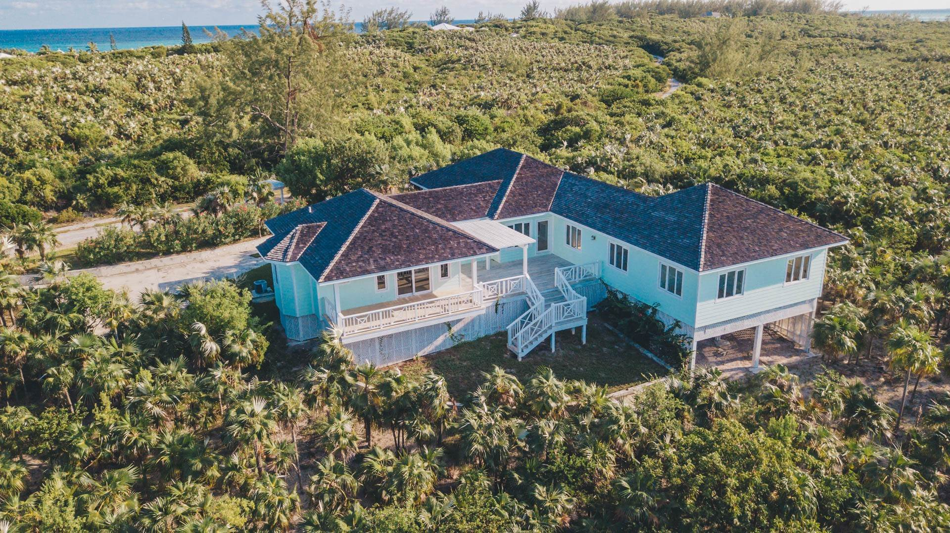 29. Single Family Homes for Sale at Savannah Sound Home - Windermere Island - MLS 44478 Windermere Island, Eleuthera, Bahamas