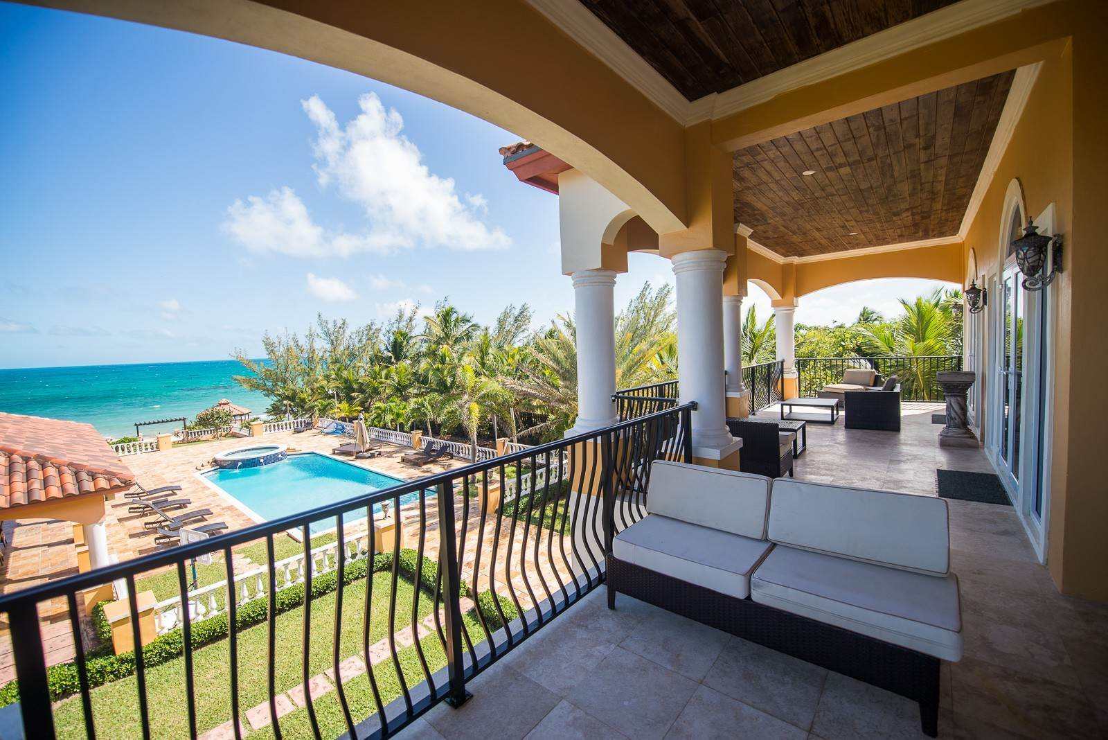 25. Single Family Homes for Sale at Exclusive Oceanside Eastern Jewel - Casa Al Mare - MLS 43222 Eastern Road, Nassau And Paradise Island, Bahamas