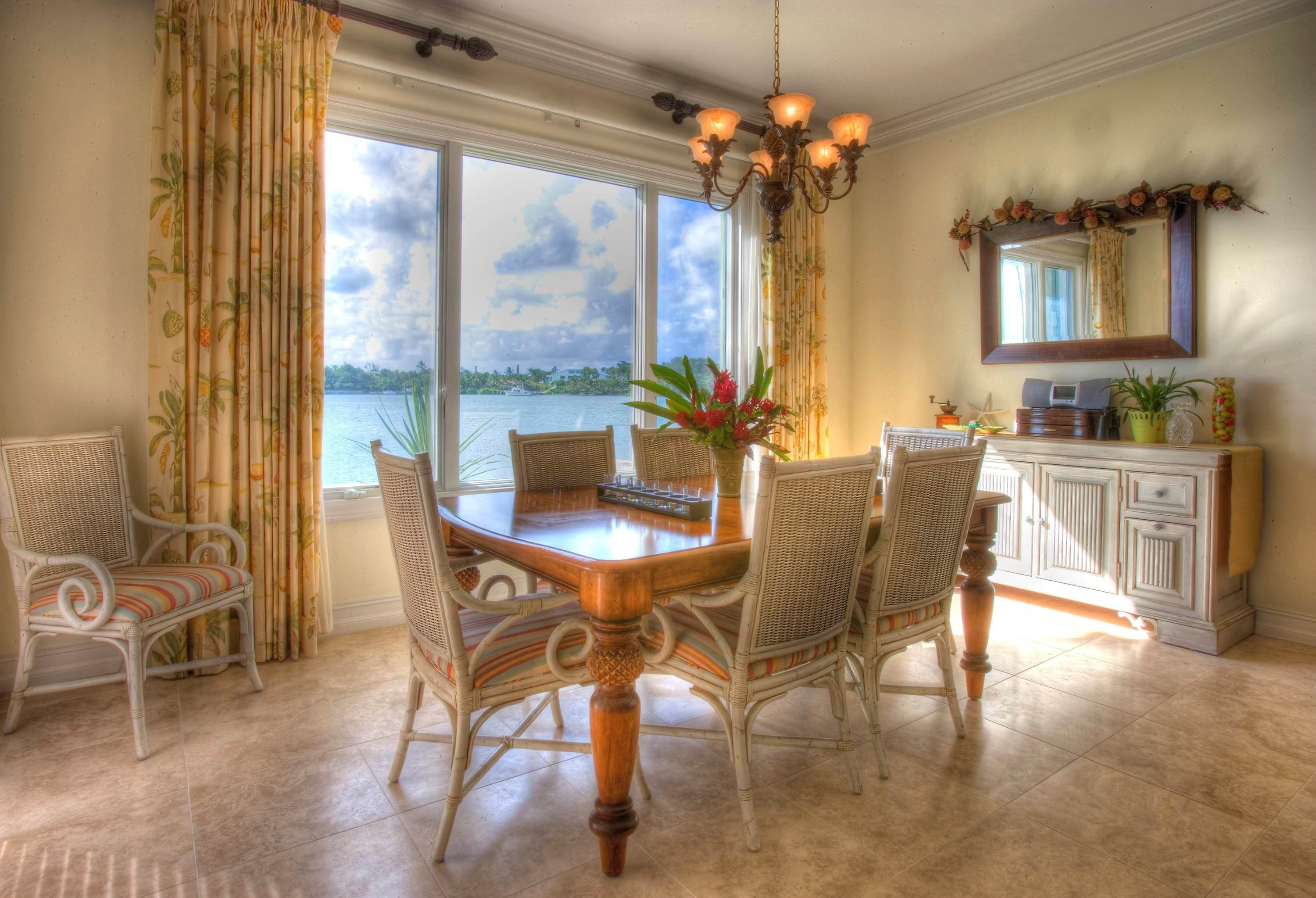 13. Single Family Homes por un Venta en #2 Royal Harbour, Marsh Harbour View Stately Home - MLS 41825 Marsh Harbour, Abaco, Bahamas