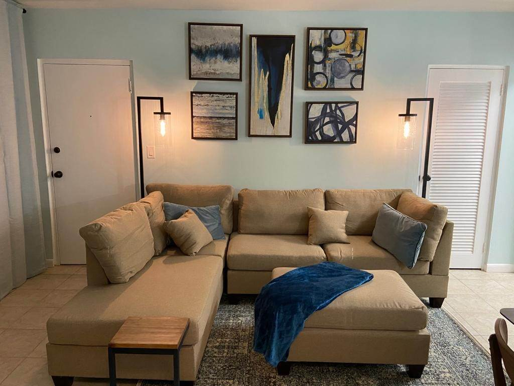 4. Co-op / Condo for Rent at Garden view renovated condo in the heart of Cable Beach Cable Beach, Nassau And Paradise Island, Bahamas