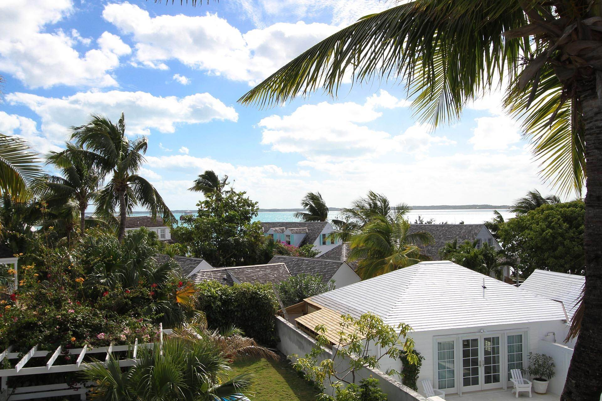 10. Single Family Homes por un Venta en Historic Harbour Front Home Harbour Island, Eleuthera, Bahamas