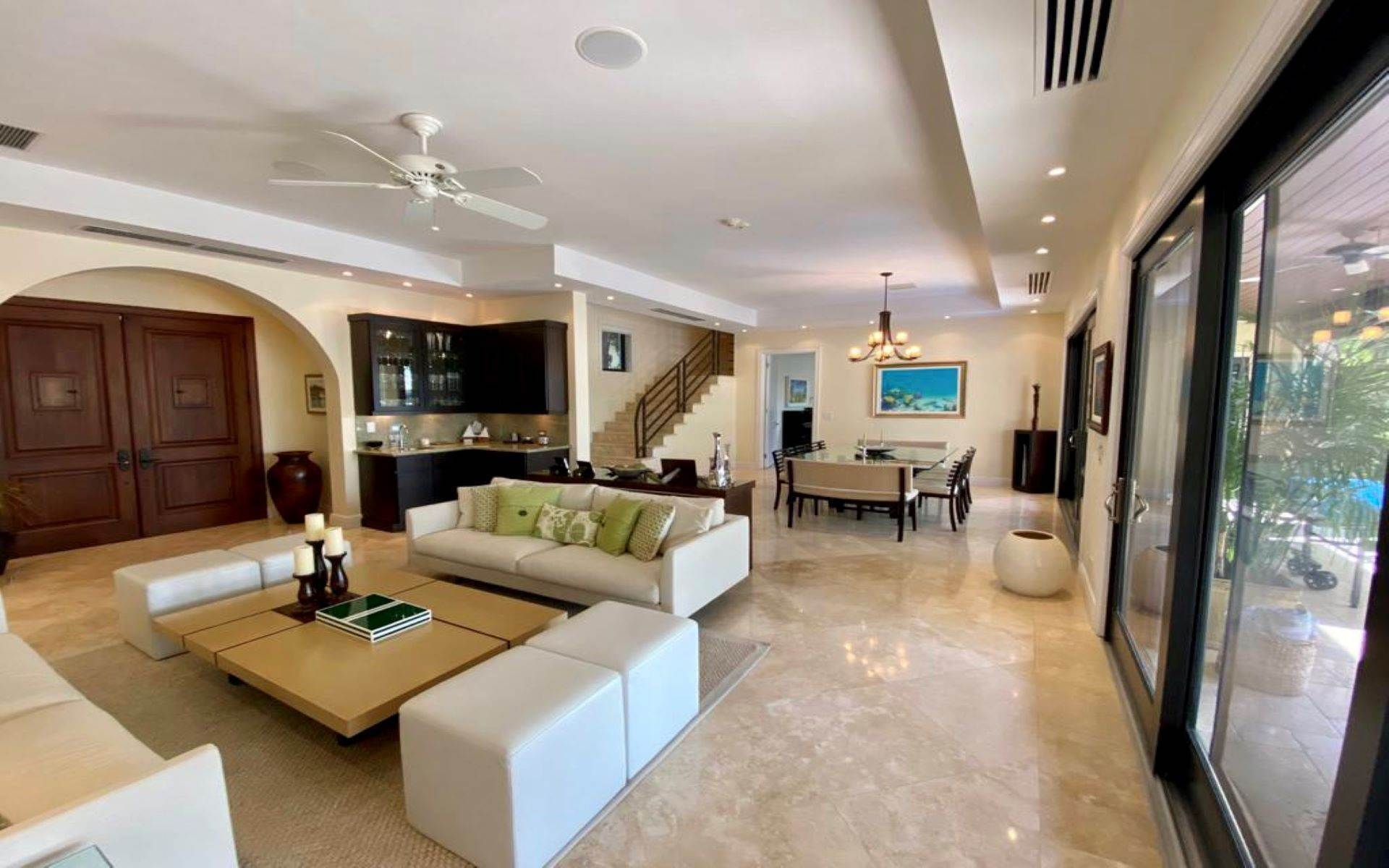 10. Single Family Homes for Sale at Immaculate House on Venetian Lane in Old Fort Bay Old Fort Bay, Nassau And Paradise Island, Bahamas